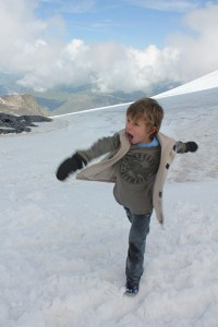 Snowfight time!